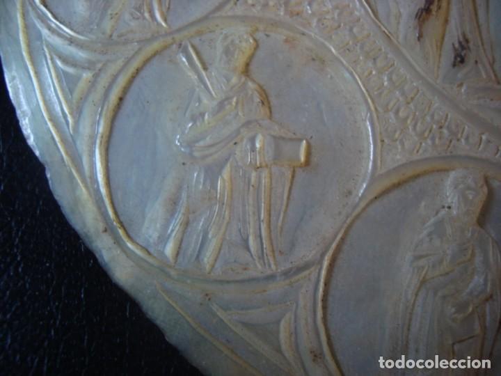 Antigüedades: antigua cocha tallada con escena del calvario de jesus y los 12 apostoles . siglo XIX - Foto 5 - 211562725