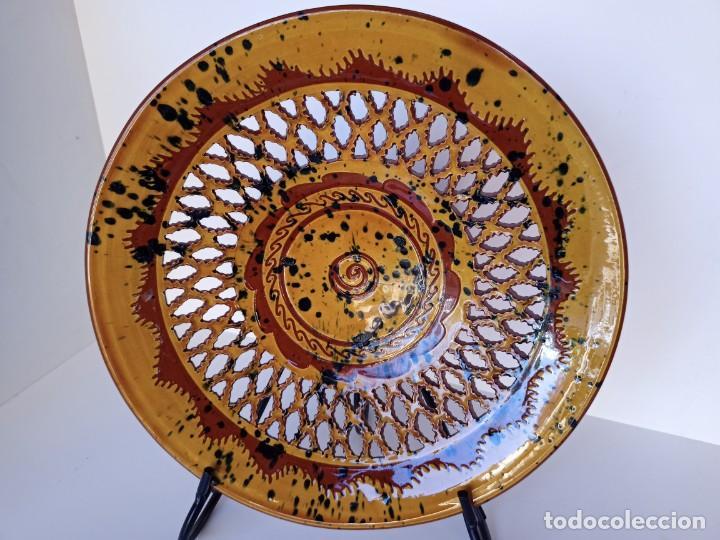 GRAN PLATO CALADO, TITO, ÚBEDA, 30CM (Antigüedades - Porcelanas y Cerámicas - Úbeda)