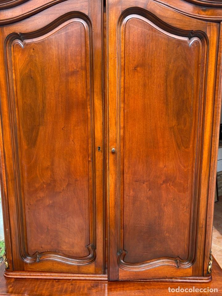 Antigüedades: Vitrina estilo Luis XV - Foto 5 - 211586749