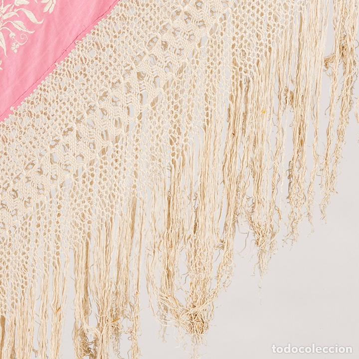Antigüedades: manton de Manila en seda bordada, del segundo tercio del siglo XX. - Foto 3 - 211601160