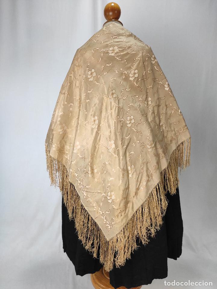 Antigüedades: Antiguo pañuelo de gro. Mantón - Foto 2 - 211606861