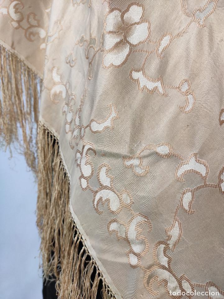 Antigüedades: Antiguo pañuelo de gro. Mantón - Foto 4 - 211606861