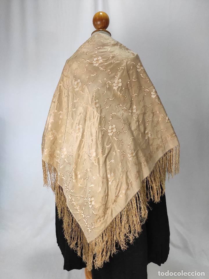 Antigüedades: Antiguo pañuelo de gro. Mantón - Foto 6 - 211606861