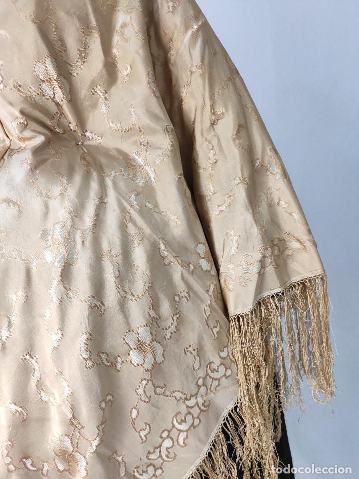 Antigüedades: Antiguo pañuelo de gro. Mantón - Foto 8 - 211606861