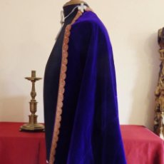 Antigüedades: CONJUNTO DE DOS MANTOS Y UN VESTIDO DE PPS DEL S. XX, PARA IMÁGENES RELIGIOSAS DE BUEN TAMAÑO.. Lote 211621614
