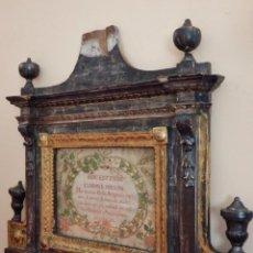 Antigüedades: IMPORTANTE SACRA DEL SIGLO XVIII, ELABORADA EN MADERA TALLADA, DORADA Y PLATEADA. MIDE 74 X 65 CM.. Lote 211622110