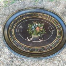 Antigüedades: ANTIGUA BANDEJA METAL PINTADA A MANO. 56 X 43 CM.. Lote 211633999
