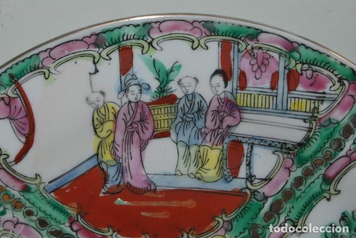 Antigüedades: PRECIOSO PLATO DE PORCELANA MACAO - SELLO EN LA BASE - PINTADO A MANO - 25 CM - MACAU - Foto 3 - 211676433