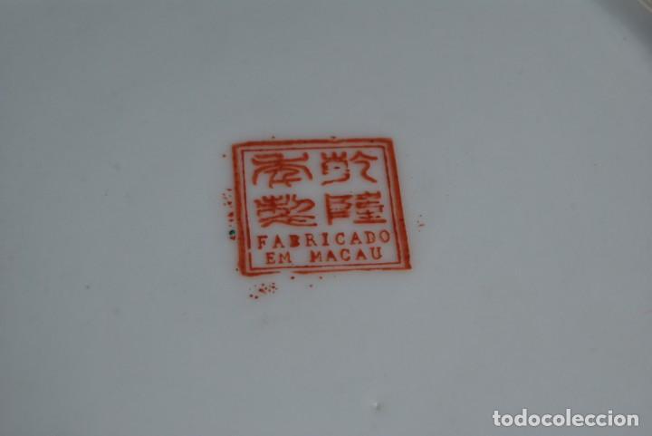 Antigüedades: PRECIOSO PLATO DE PORCELANA MACAO - SELLO EN LA BASE - PINTADO A MANO - 25 CM - MACAU - Foto 10 - 211676433