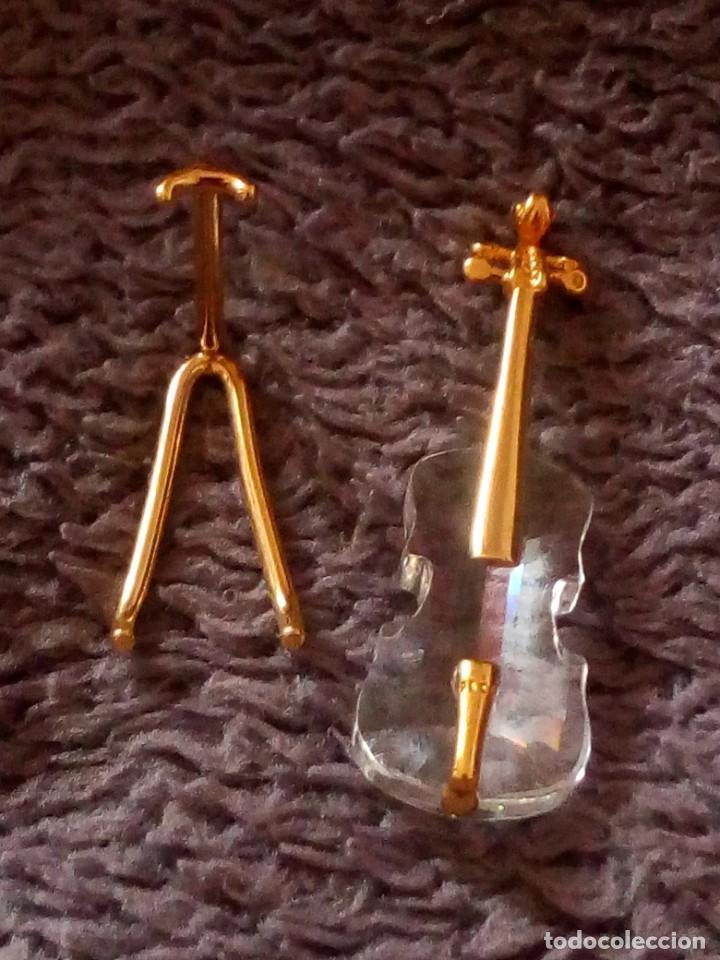 Antigüedades: Pequeño violonchelo con soporte de cristal swarovski,autentico. - Foto 3 - 211698321