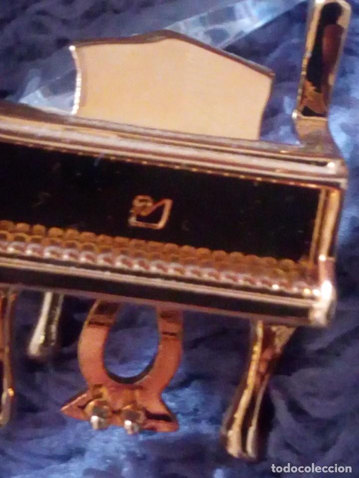 Antigüedades: Pequeño piano de cristal swarovski,autentico. - Foto 5 - 211698423