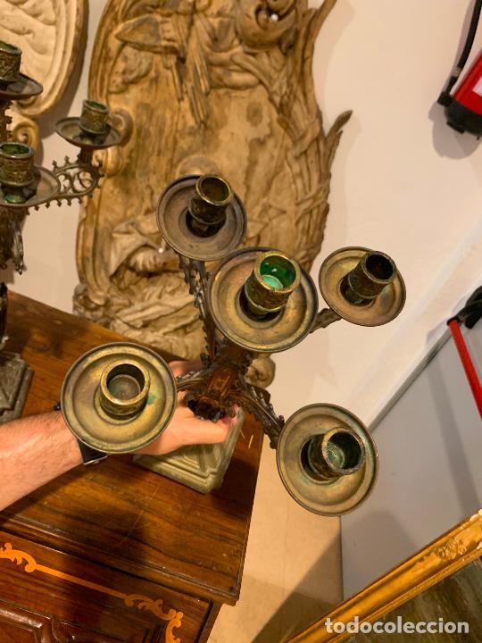Antigüedades: candelabros neogóticos en metal dorado 1890 - Foto 3 - 211704341