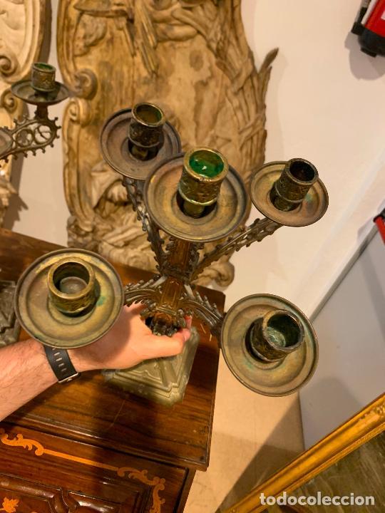 Antigüedades: candelabros neogóticos en metal dorado 1890 - Foto 4 - 211704341