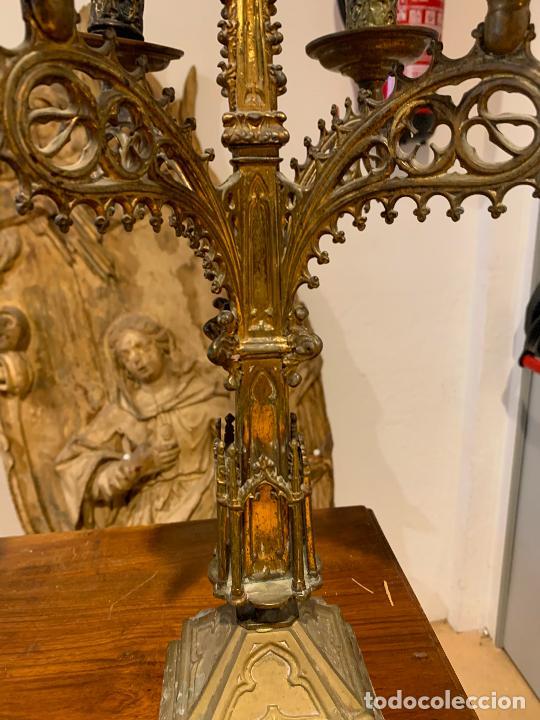 Antigüedades: candelabros neogóticos en metal dorado 1890 - Foto 6 - 211704341