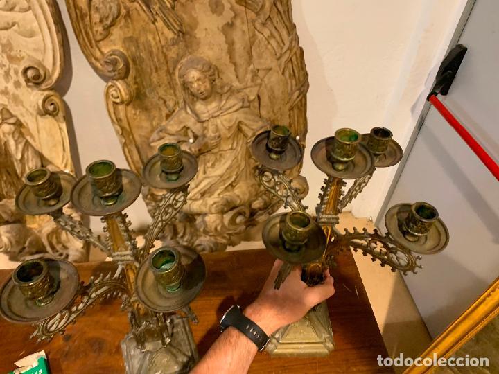 Antigüedades: candelabros neogóticos en metal dorado 1890 - Foto 8 - 211704341