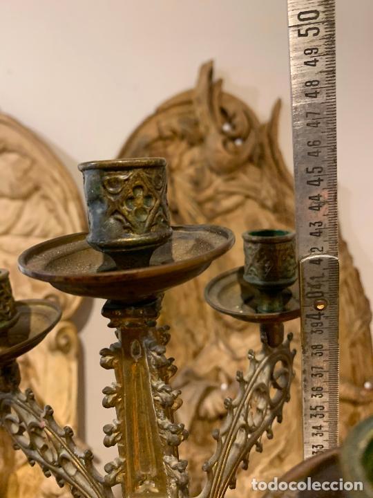 Antigüedades: candelabros neogóticos en metal dorado 1890 - Foto 12 - 211704341