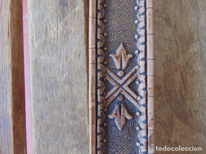 Antigüedades: ANTIGUA CRUZ CRUCIFIJO EN MADERA TALLADA DE IGLESIA INRI - Foto 7 - 211705583