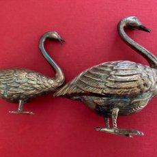 Antigüedades: CONJUNTO DE CISNES EN PLATA DE LEY. Lote 211706405