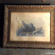Antigüedades: ANTIGUO MARCO DE MADERA CON BELLA MOLDURA DORADA Y FOTOGRAFÍA CON ESCENA 1ª GUERRA MUNDIAL. Lote 211706429
