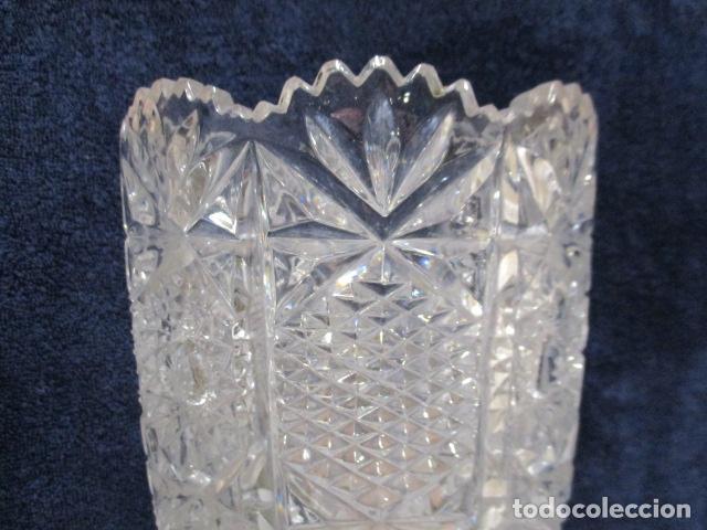 Antigüedades: Precioso JARRÓN CRISTAL TALLADO DE BOHEMIA. - Foto 3 - 211719380
