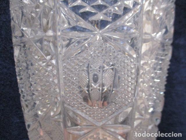 Antigüedades: Precioso JARRÓN CRISTAL TALLADO DE BOHEMIA. - Foto 4 - 211719380