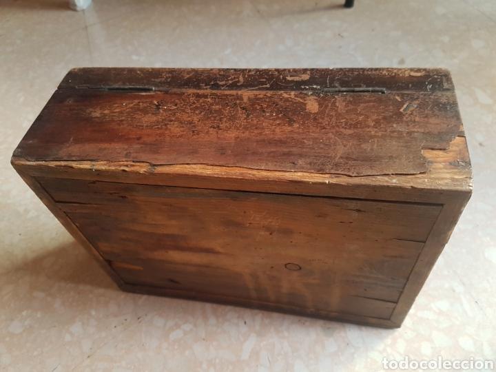 Antigüedades: Caja pequeña joyero de madera de pino - Foto 6 - 211719331