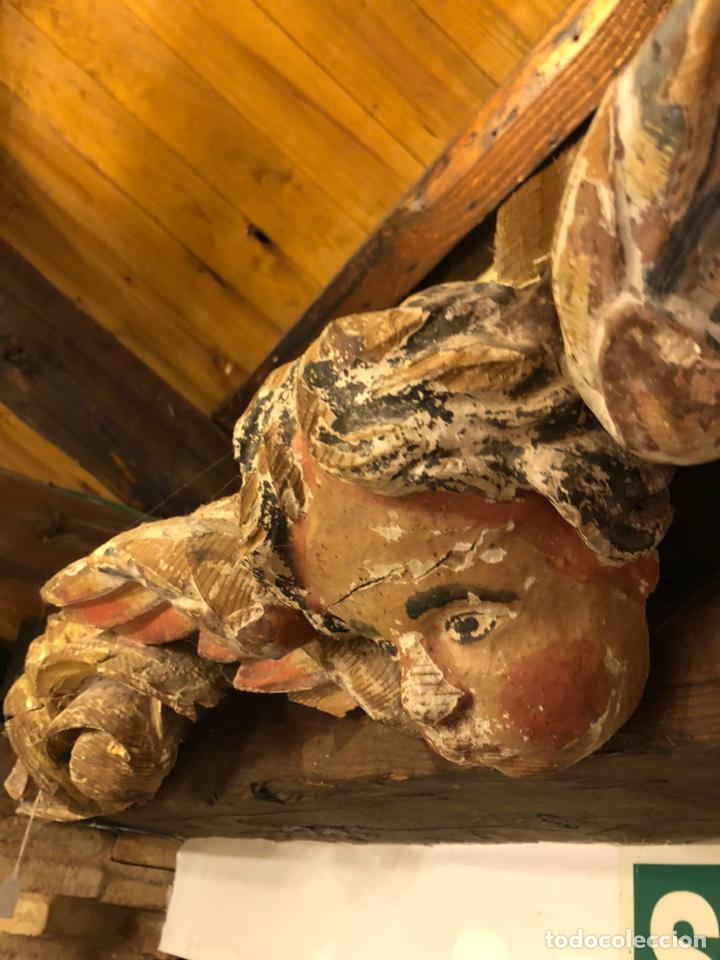 Antigüedades: Antiguo siglo XVII fragmento original de retablo volutas sobredorado y busto de ángel. Policromado - Foto 9 - 211722059