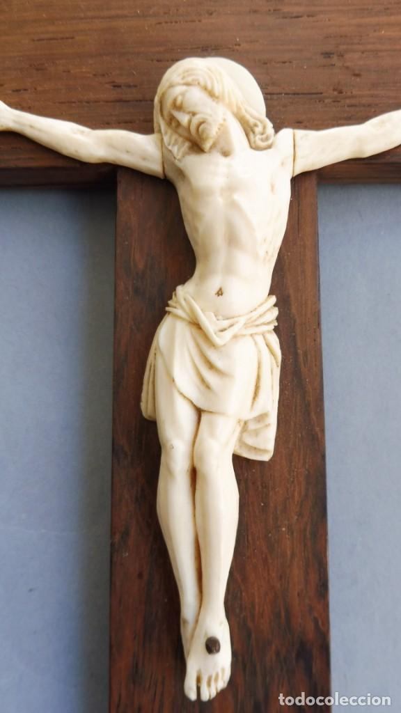 ANTIGUO CRISTO DE MARFIL PPIO.S.XX (Antigüedades - Religiosas - Crucifijos Antiguos)