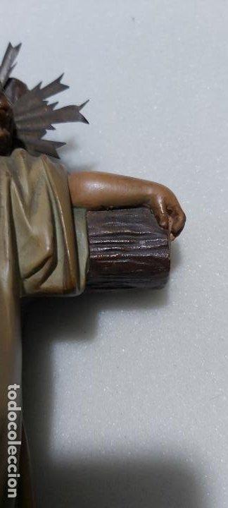 Antigüedades: Figura antigua niño Jesús en la cruz de olot - Foto 4 - 211727269