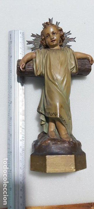 Antigüedades: Figura antigua niño Jesús en la cruz de olot - Foto 9 - 211727269