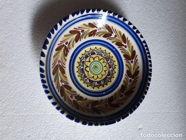 PLATO DE CERAMICA FIRMADO (Antigüedades - Porcelanas y Cerámicas - Otras)