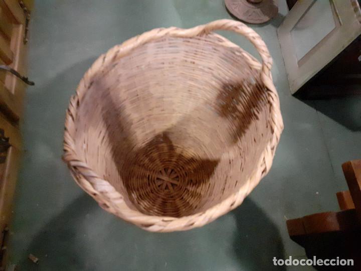Antigüedades: cesto de mimbre para la ropa - Foto 2 - 222014040