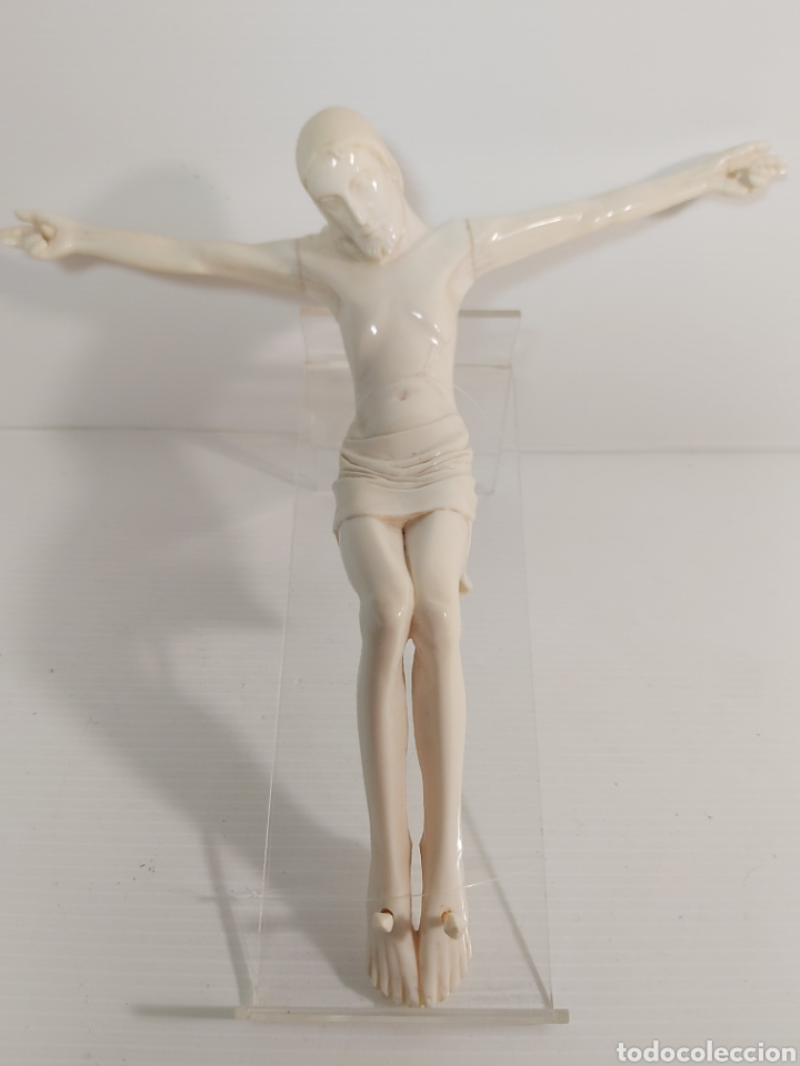 ANTIGUA FIGURA DE CRISTO CRUCIFICADO (Antigüedades - Religiosas - Crucifijos Antiguos)