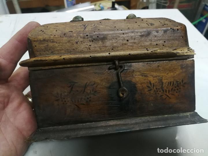 Antigüedades: ANTIGUAS CRISMERAS DE PLATA, SANTOS OLEOS, CON SU CAJA, AÑO 1905, CONTIENEN OLEOS - Foto 16 - 211786902