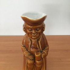 Antigüedades: JARRÓN CON FORMA DE HOMBRE DE ÉPOCA. Lote 211893898