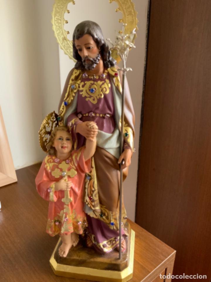 SAN JOSÉ CON EL NIÑO. ESTUCO POLICROMADO. ARTE CRISTIANO. OLOT. ESPAÑA.XIX-XX OJOS DE CRISTAL-32 CM (Antigüedades - Religiosas - Artículos Religiosos para Liturgias Antiguas)