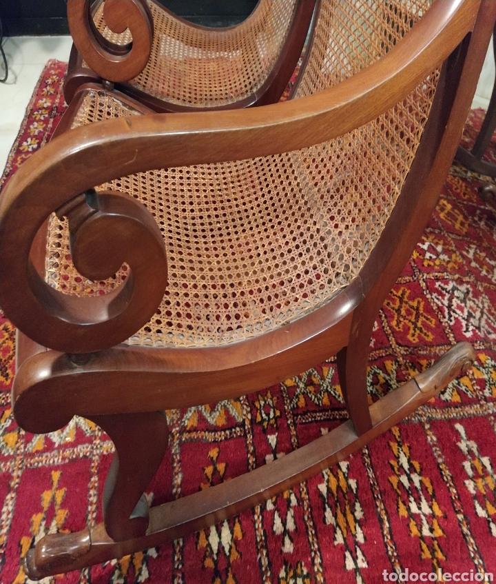 Antigüedades: Bonita pareja de mecedoras fernandinas. Primer tercio siglo XIX. En madera de caoba. - Foto 2 - 211921283