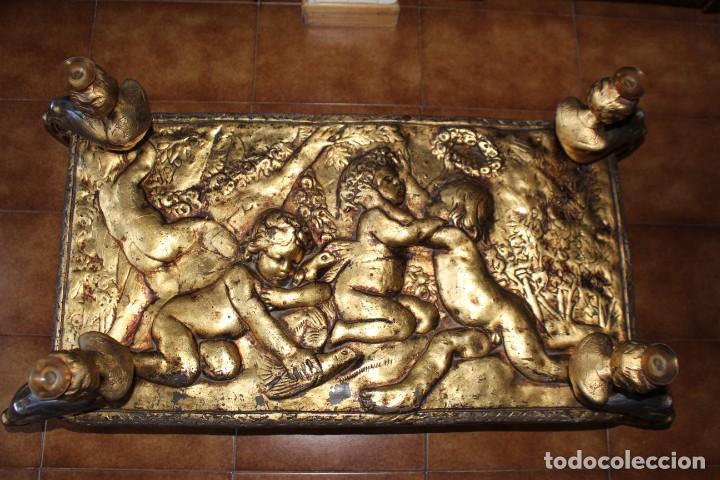 Antigüedades: Preciosa mesa baja antigua. Metal dorado y cristal. Querubines, ángeles. Mesa estilo imperio. - Foto 7 - 211938105