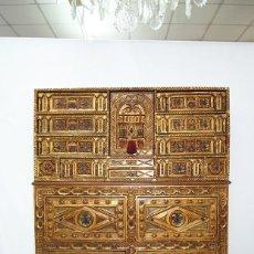Antigüedades: BARGUEÑO SALAMANTINO MADERA TALLADA SIGLO XIX. Lote 211966157