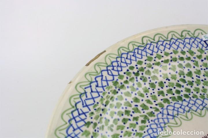 Antigüedades: Plato cerámica de manises siglo XIX. 34 cm de diámetro. - Foto 2 - 211966390