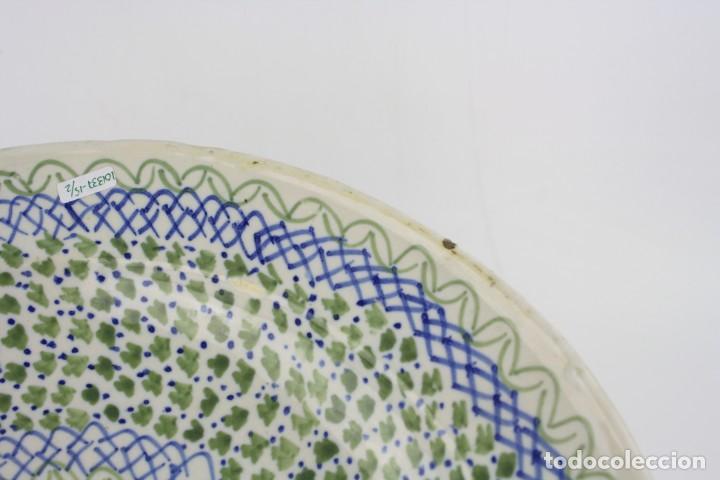Antigüedades: Plato cerámica de manises siglo XIX. 34 cm de diámetro. - Foto 5 - 211966390