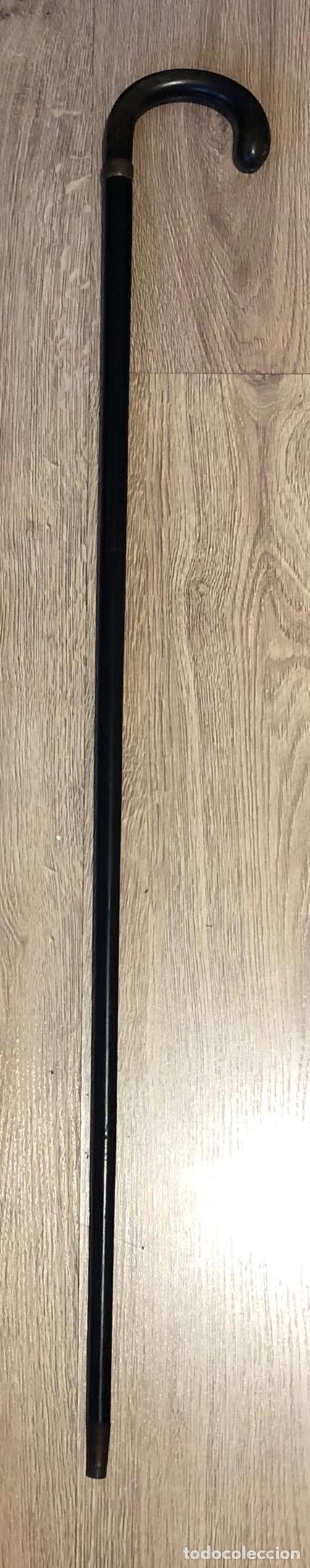 Antigüedades: Antiguo bastón, de línea muy sobria, en madera, y madera ebonizada. - Foto 2 - 211999880