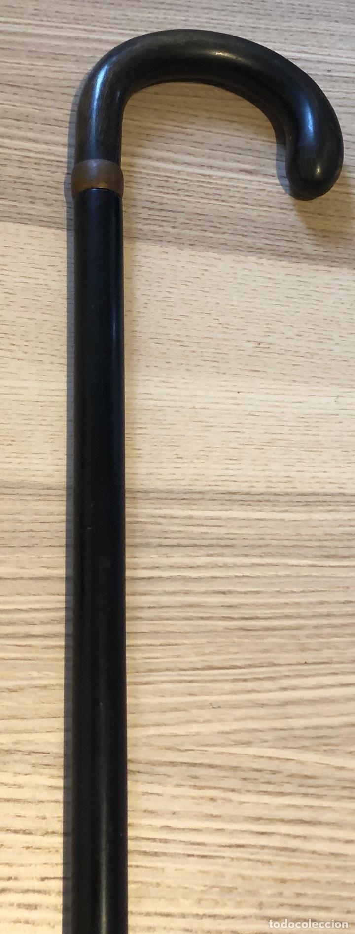 Antigüedades: Antiguo bastón, de línea muy sobria, en madera, y madera ebonizada. - Foto 3 - 211999880