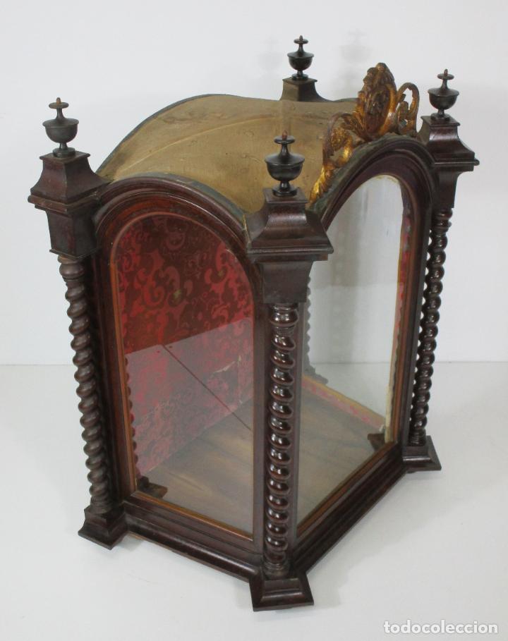 Antigüedades: Preciosa Capilla Carlos IV - Vitrina para Virgen, Santo - Madera Tallada y Dorada - S. XVIII-XIX - Foto 2 - 212005551