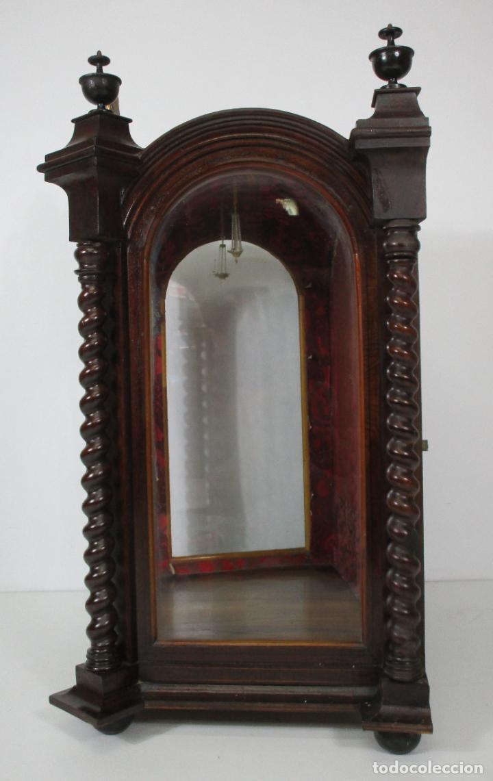 Antigüedades: Preciosa Capilla Carlos IV - Vitrina para Virgen, Santo - Madera Tallada y Dorada - S. XVIII-XIX - Foto 5 - 212005551