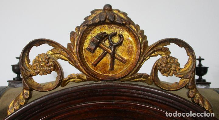 Antigüedades: Preciosa Capilla Carlos IV - Vitrina para Virgen, Santo - Madera Tallada y Dorada - S. XVIII-XIX - Foto 14 - 212005551