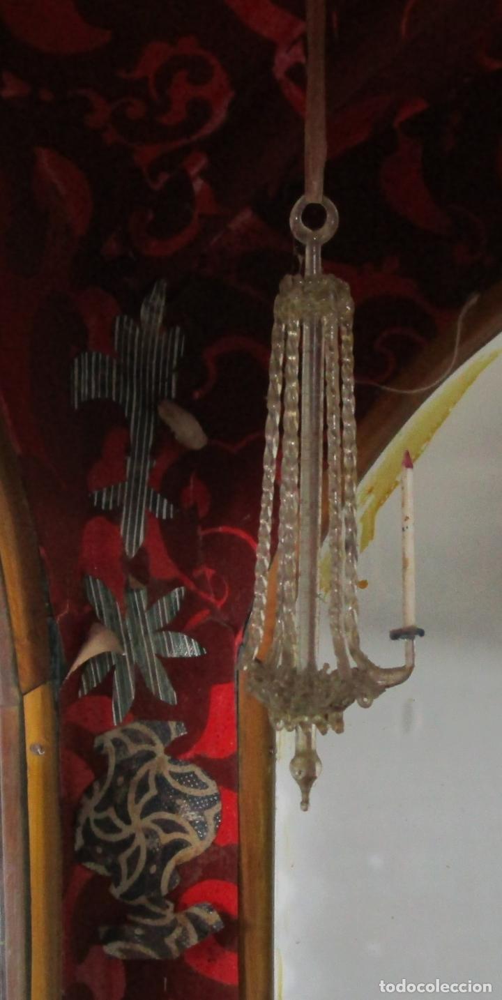 Antigüedades: Preciosa Capilla Carlos IV - Vitrina para Virgen, Santo - Madera Tallada y Dorada - S. XVIII-XIX - Foto 16 - 212005551