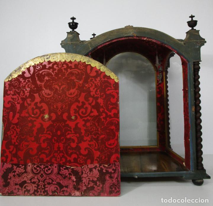 Antigüedades: Preciosa Capilla Carlos IV - Vitrina para Virgen, Santo - Madera Tallada y Dorada - S. XVIII-XIX - Foto 20 - 212005551