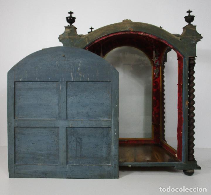 Antigüedades: Preciosa Capilla Carlos IV - Vitrina para Virgen, Santo - Madera Tallada y Dorada - S. XVIII-XIX - Foto 24 - 212005551