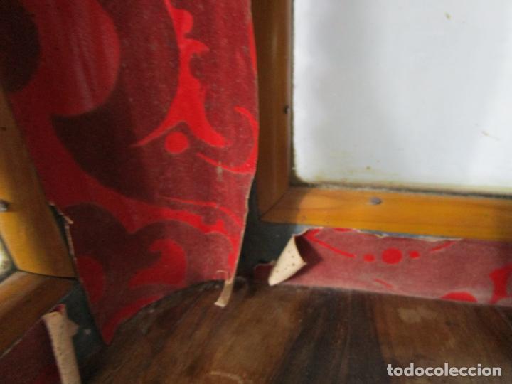 Antigüedades: Preciosa Capilla Carlos IV - Vitrina para Virgen, Santo - Madera Tallada y Dorada - S. XVIII-XIX - Foto 25 - 212005551